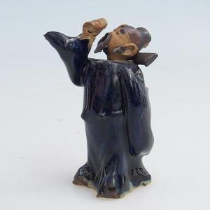 Keramická figurka - mudrc s pohárem