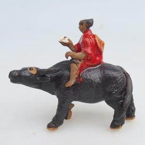 Keramická figurka -buvol